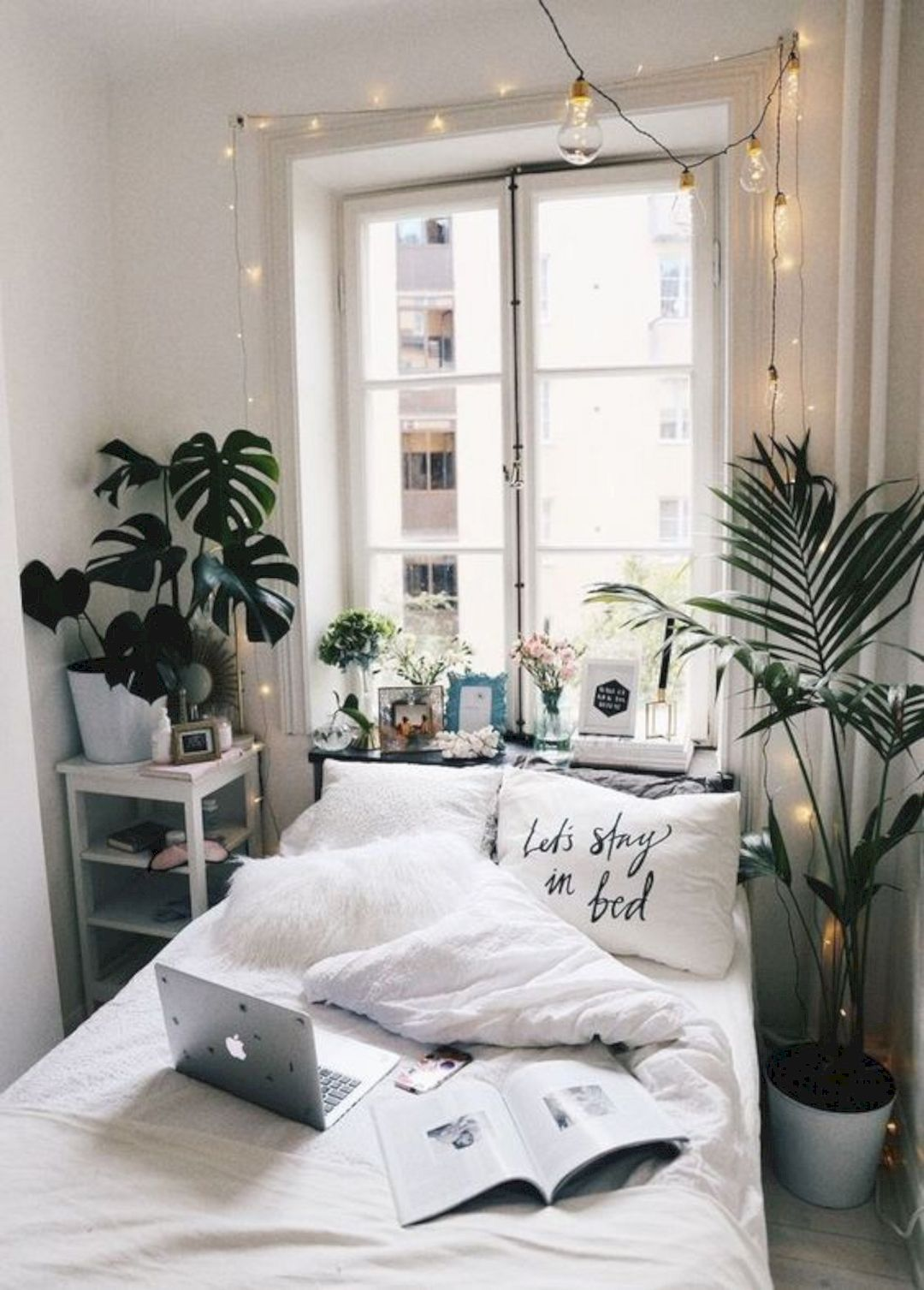 See our 20 favorite small bedrooms. 15 Fascinating Bedrooms With Plants That Look Like A Jungle