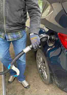Pay at the pump to reduce COVID risk when traveling by car