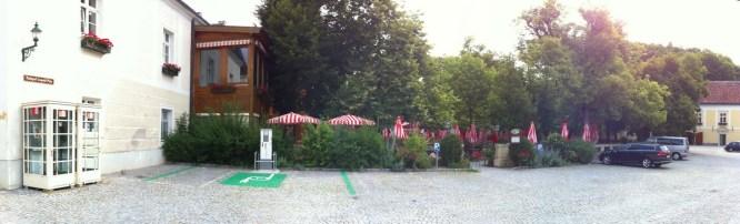 heiligenkreuz-03-parkplatz