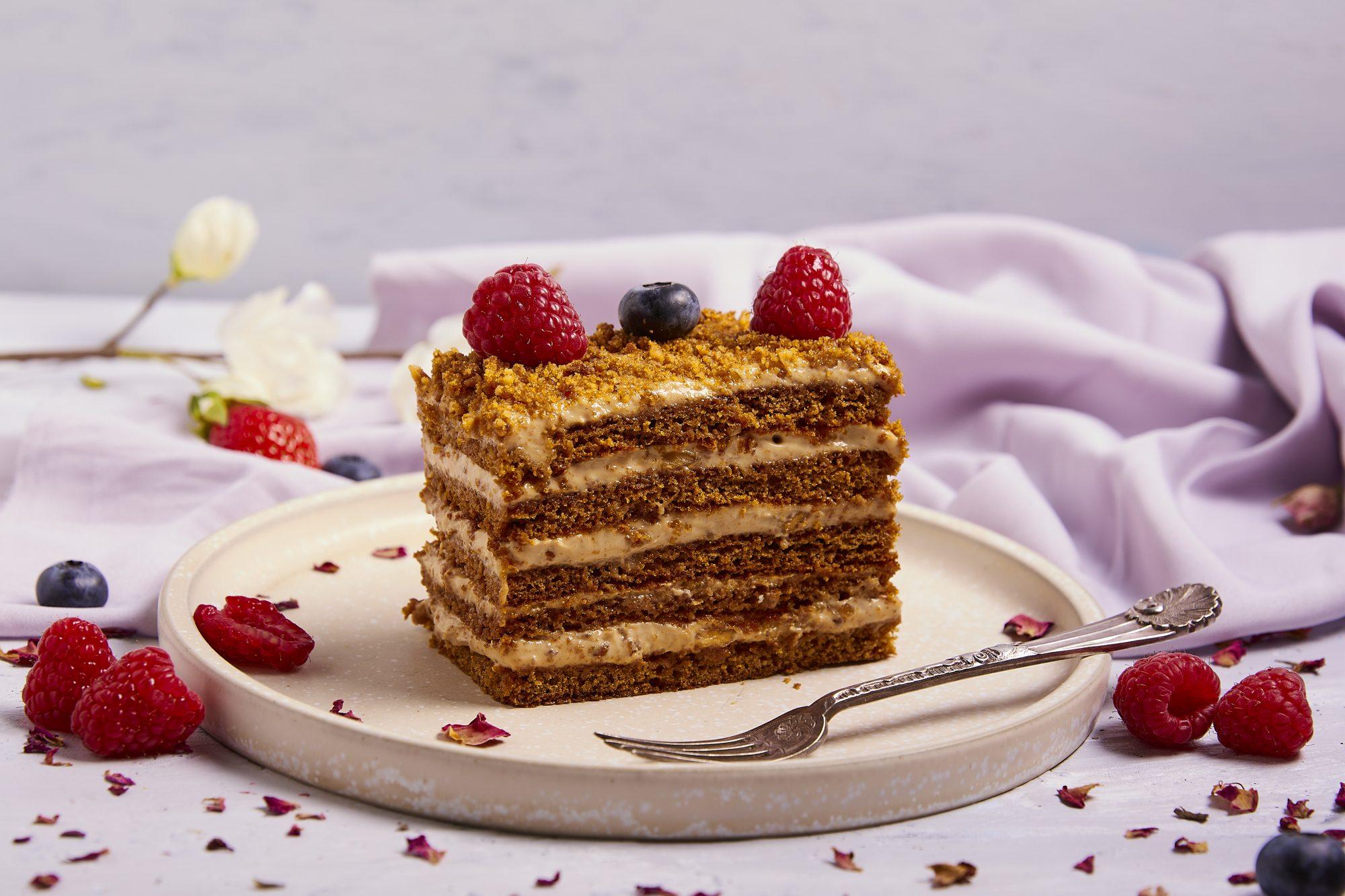 dulce walnut honey cake