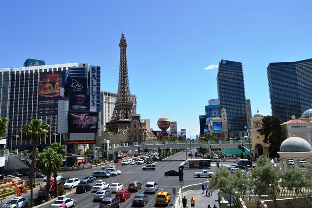 15 ဒါကေတာ႕ အဘတို႕လာခဲ႕တဲ႕ Las Vegas Boulevard ေတာင္ဘက္ျခမ္း ။