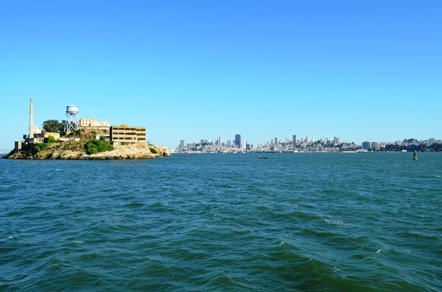 18. The Rock ႐ုပ္႐ွင္ထဲက Alcatraz ကၽြန္း ။
