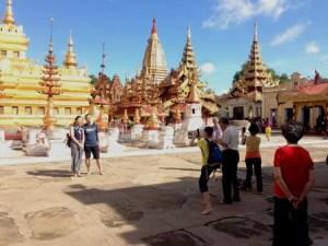 Shwesigon paya in Bagan