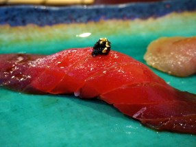 Kiyokawa: Hawaiian Bigeye Tuna with Gold Leaf and Caviar