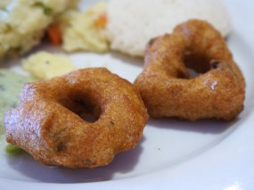 If these vadas had been fresh they might have been very good; as it is, they were lukewarm and were barely acceptable.