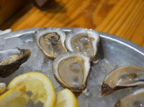 French Kiss from New Brunswick. Apparently a larger version of the Beausoleil oyster. Brinier still; also very good.