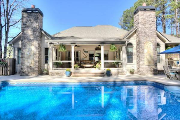 Outdoor Living Pool house and design