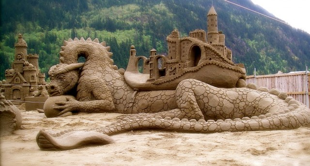 13. Beautiful Sand Sculpture