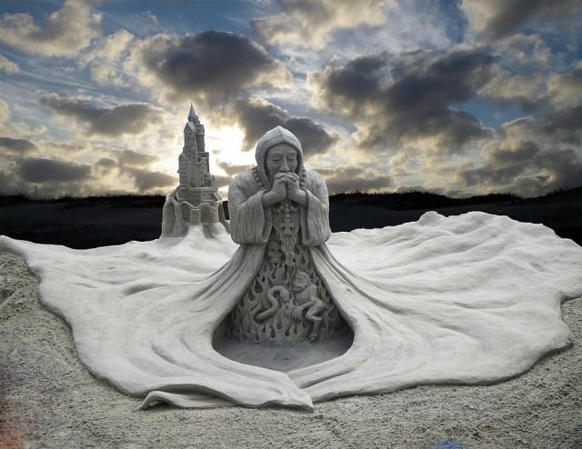 15. Beautiful Sand Sculpture