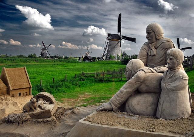 19. Beautiful Sand Sculpture