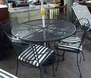 Patio Furniture Cheaper Than Lowes Auction Finds - Lowe's Patio Table And Chairs