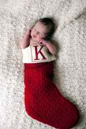 Newborn Christmas Pictures 39