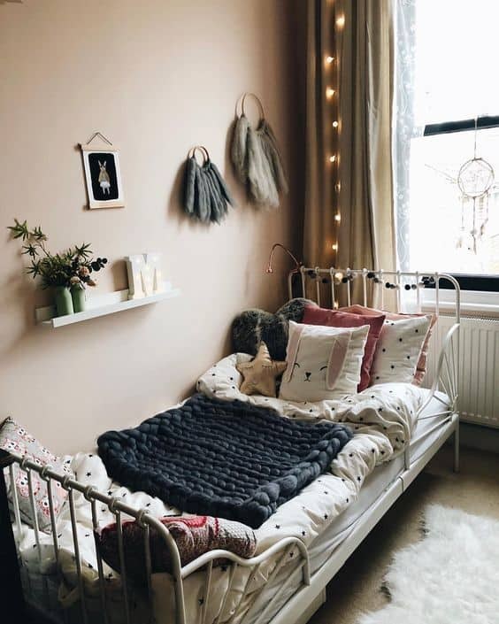 Sweet Vintage Bedroom Ideas As Reminiscence Of Your Childhood