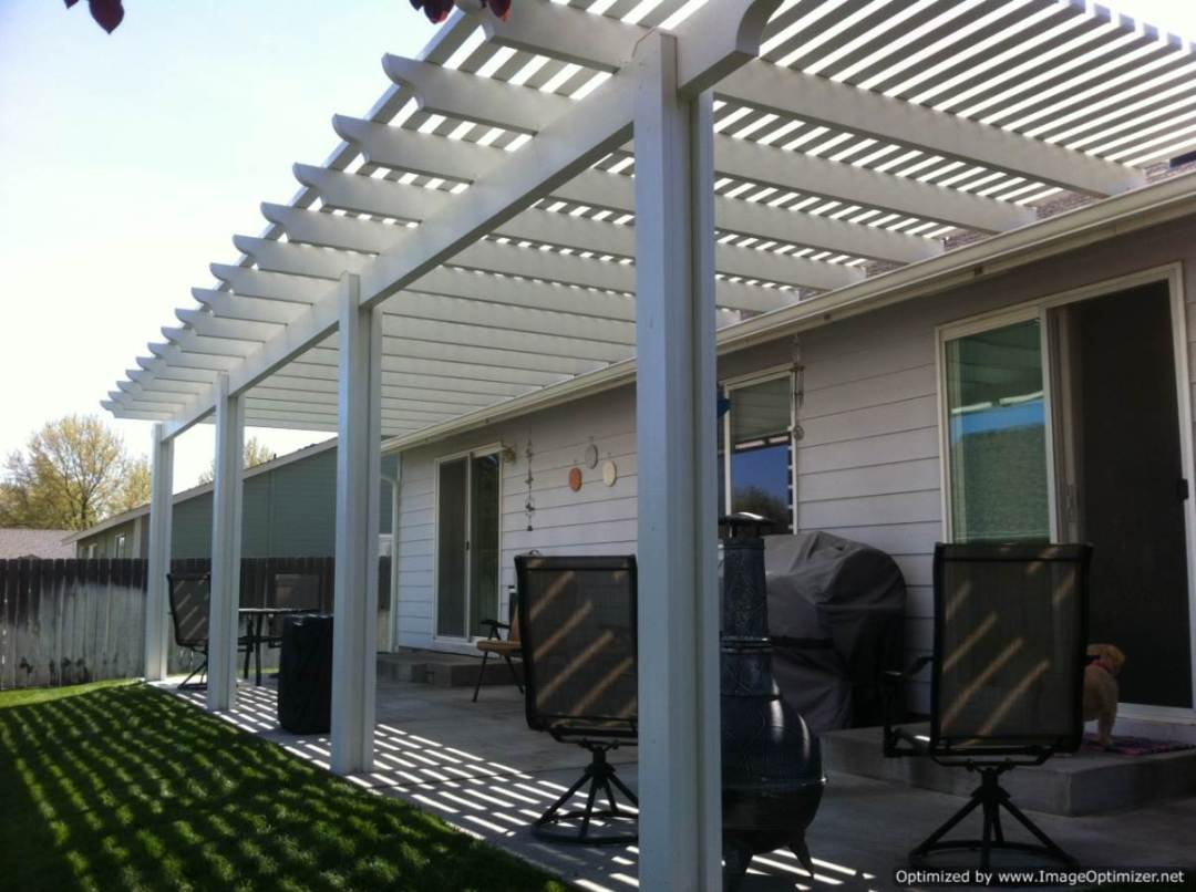 Pergola with scalloped end cuts