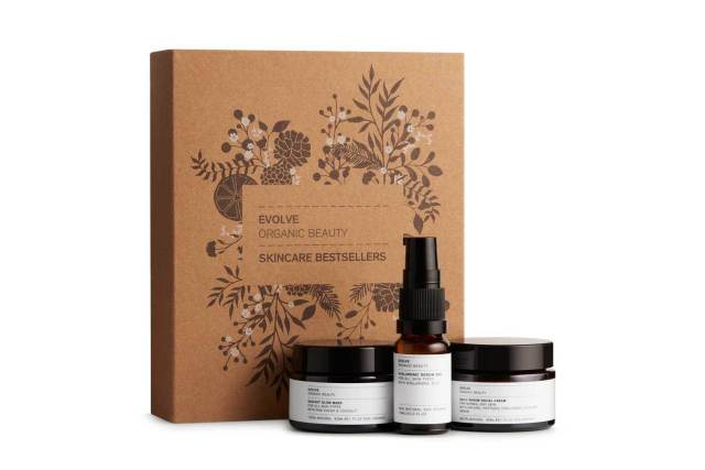 Evolve Organic Beauty skincare gift set