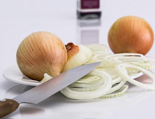 Onion Juice for beard growth
