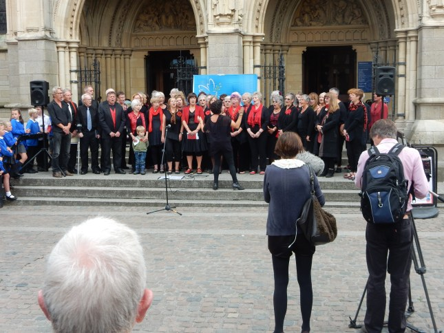 The Ingleheart Singers and The Suitcase Singers