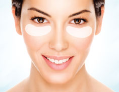 how to reduce dark circles-collagen-woman