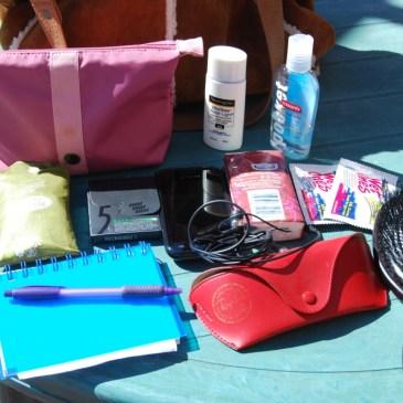 Défi du lundi relevé! mon sac et ma trousse de makeup!
