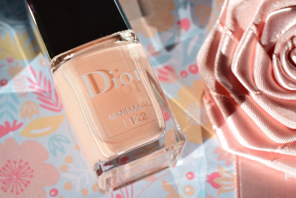 Dior vernis Minimal Skyline