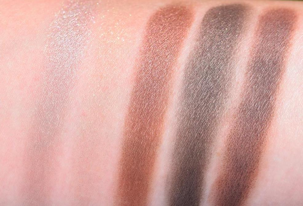 Dior palette Hypnotize 677 Collection Metallics swatch