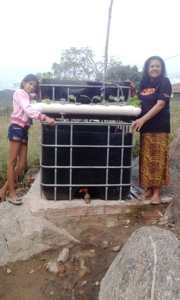MSABP - AquaBioPonics em Belo Jardim - Brasil - Maria José e Alessandra Vytoria Operadoras do Sistema