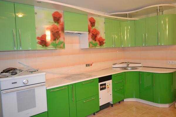 Какие обои подобрать для кухни с зеленым гарнитуром ...