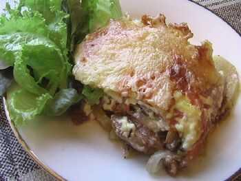 Картошка с мясом грибами с сыром в духовке
