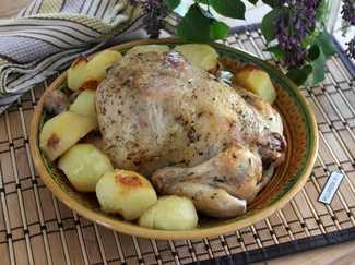 При какой температуре готовить картошку с мясом в духовке ...