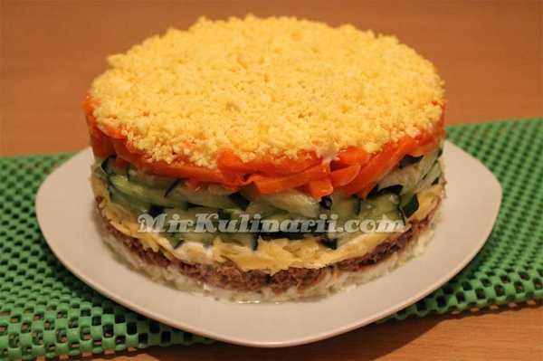Салат с тунцом консервированным с огурцом рецепт – Салат ...