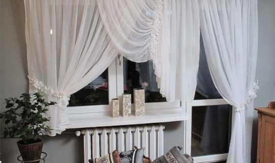 Тюль на окно с балконом фото – как выбрать, сшить ...