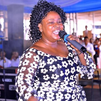 Mama Esther Worship Song – HonHom Konkron San Bra [Pentecost Song]