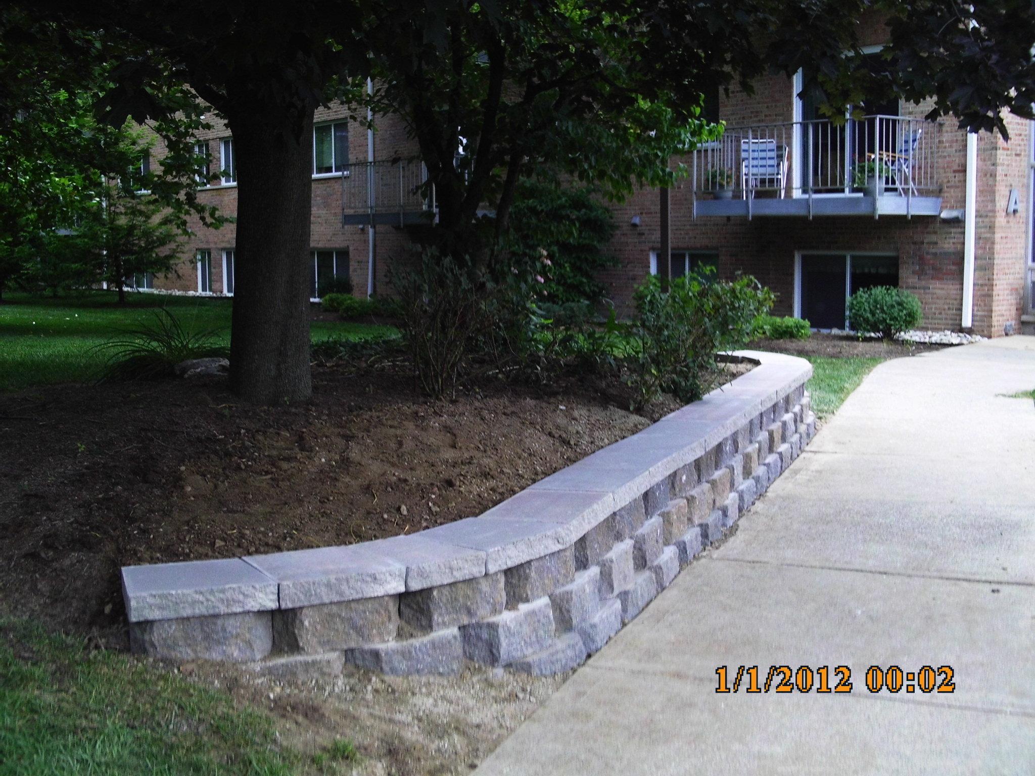 Cincinnati landscaping big c lawn landscaping for Lawn and landscape