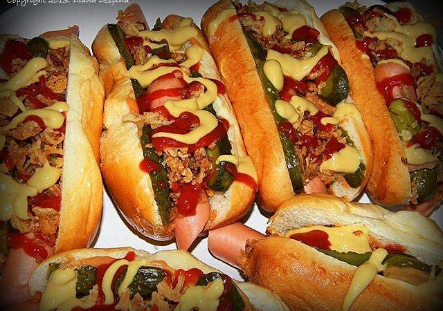 Hot dog cu ceapa crocanta