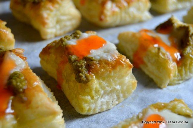 Aperitiv din foietaj cu pesto si mozzarella