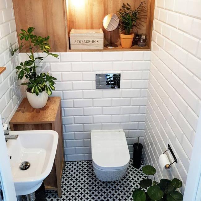 bois dans la deco de vos toilettes