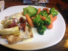 fish, artichokes, lemon sauce, veggies