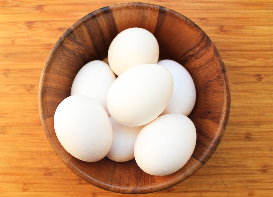 white-eggs-yolks-vs-whites