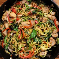 Spicy Thai Drunken Zucchini Noodles (zoodles) with Chicken