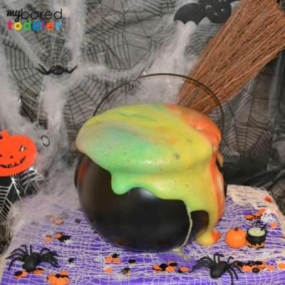 Halloween fizzing cauldron image 4 2