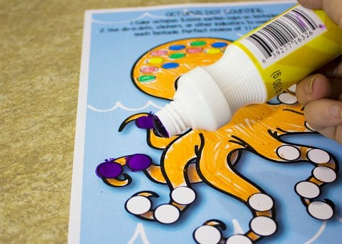 Octopus do-a-dot fine motor activity dotting the tentacles