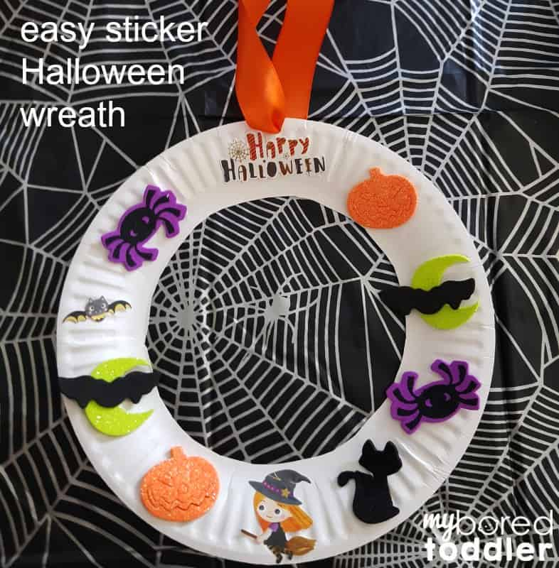 Easy Halloween sticker wreath for toddlers