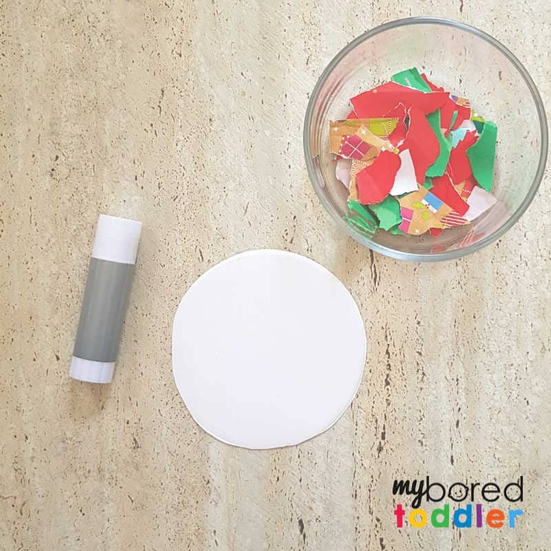 easy christmas ornament for toddler setting up the glue
