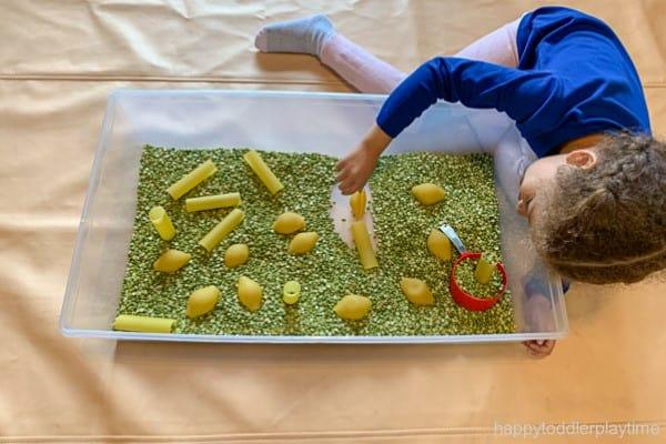 jumbo pasta spring sensory bin for toddlers image 2