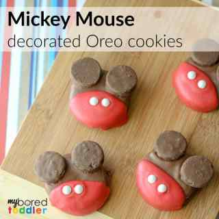 Mickey Mouse decorated oreo cookies