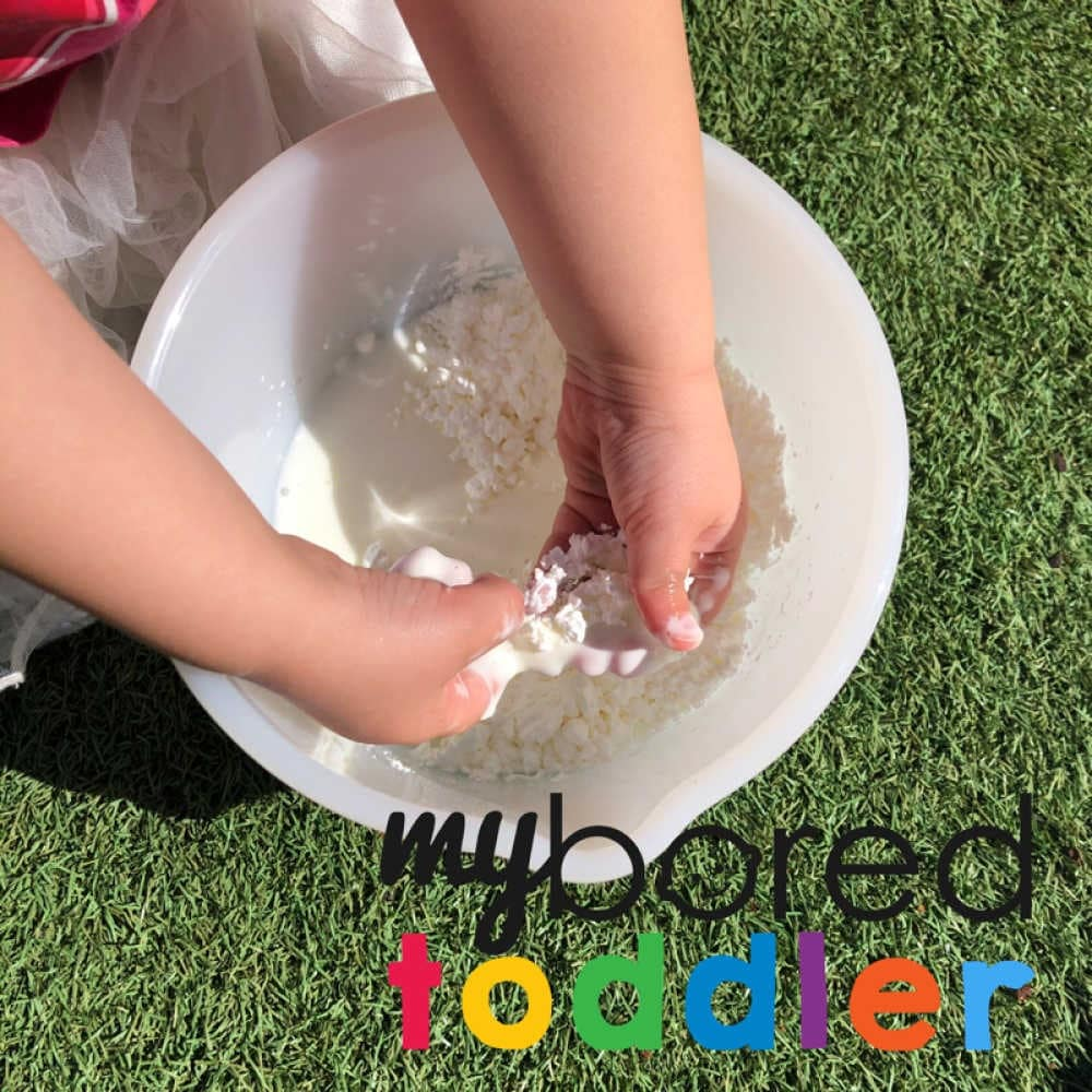how to make oobleck messy play for toddlers