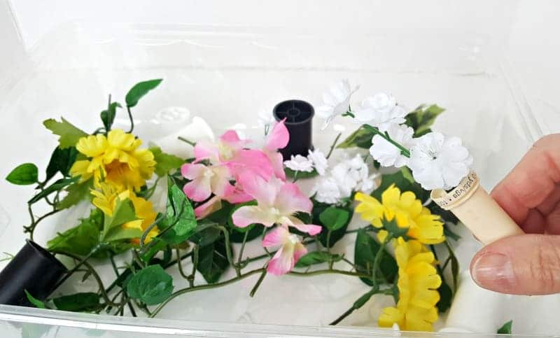 Sensory bin spring theme for toddlers