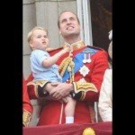 Le-prince-George-a-vole-la-vedette-lors-des-celebrations-de-l-anniversaire-de-la-reine1-Elizabeth