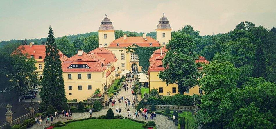 Zamkowe podwórze- zamek Książ wakacje 2017