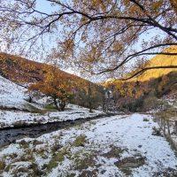 Wodospad Rhiwargor - spotkanie jesieni z zimą